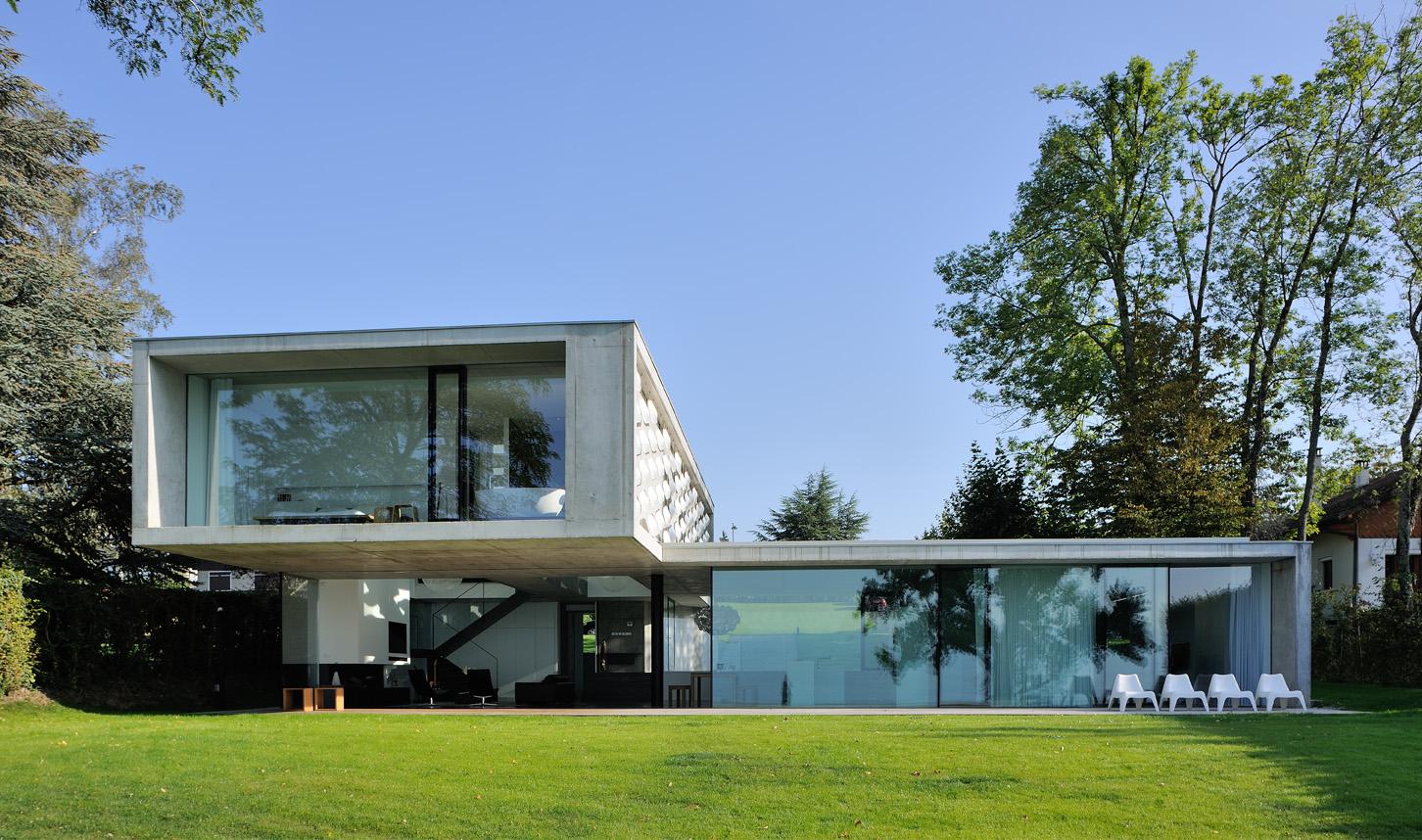 une maison au bord du lac thonon les bains caue haute. Black Bedroom Furniture Sets. Home Design Ideas